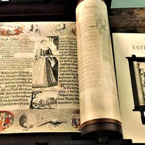 ЭКСПОНАТЫ МУЗЕЯ-БИБЛИОТЕКИ НА КАНАЛЕ КЕЙЗЕРГРАХТ